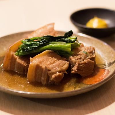 プラカノンの人気沖縄料理店「金城」からバングルユーザー限定!2枚無料!とろけるラフテー