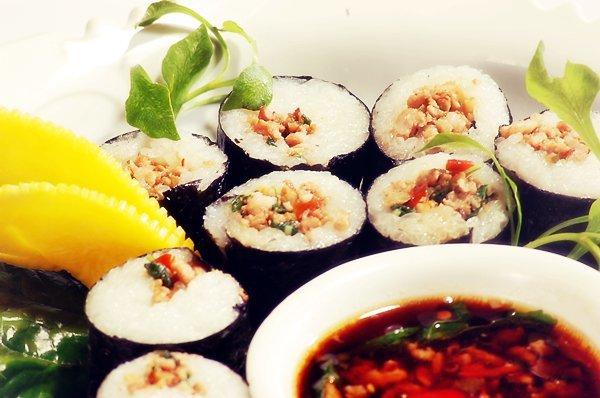 Ka-Prao Sushi Roll