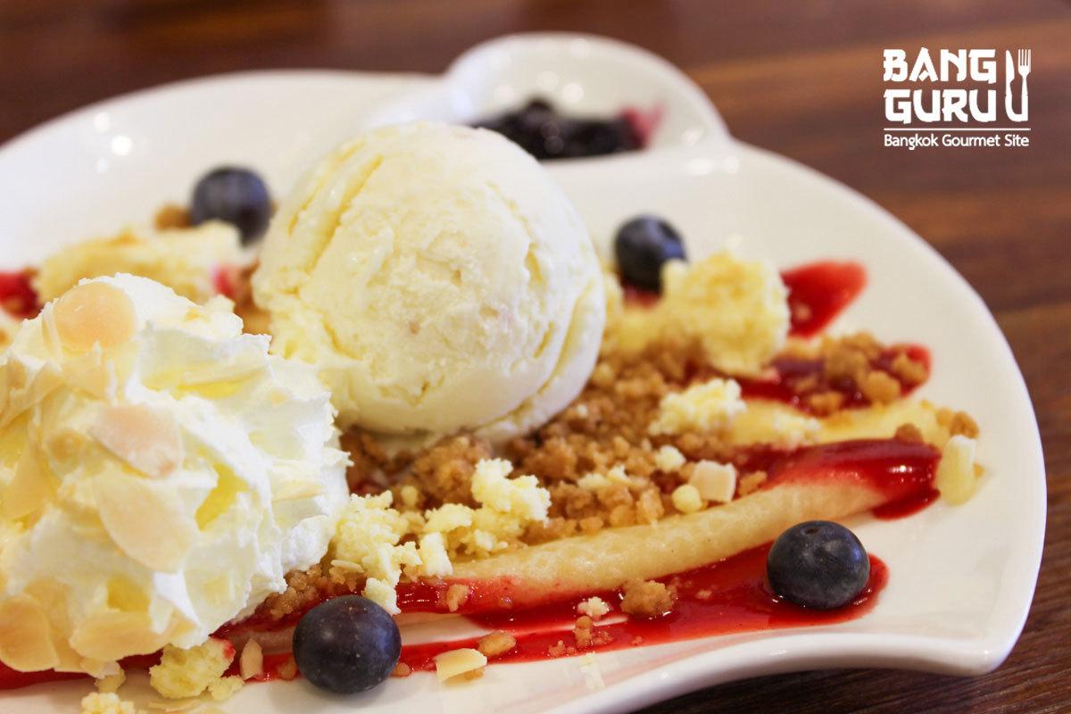 Blueberry Cheesecake Crepe
